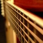 Как правильно выбрать струны для акустической и классической гитары
